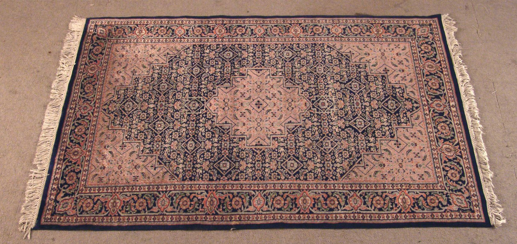 Bgw remate 222 alfombra gek htm gendata for Alfombra persa azul